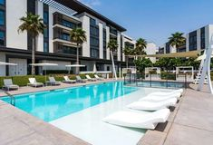The apartments in Pearl Jumeirah have been exquisitely designed to provide a trendy Miami-inspired lifestyle on the shores of Dubai. Lovely Apartments, Apartments For Sale, Luxury Apartments, Beach Properties, Dream Properties, Beach Hotels, Beach Resorts, Living In Dubai, Nikki Beach