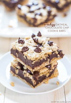 Fudgy Oatmeal Chocolate Chip Cookie Bars
