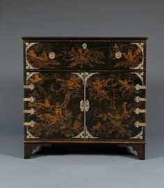 A Regency Japanned Secretaire Set With Unique English Gilt-Brass Mounts Commemorating The 'Great Comet' Of 1811 Dresser Bar, Carlton House, The Great Comet, Red Led, Cabinet Makers, Hobbs, Crystal Ball, Chinoiserie, Antique Furniture