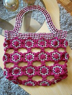 Purse made of soda can tabs