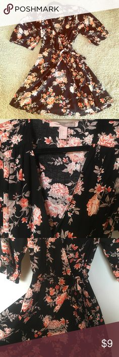 Forever21 floral wrap dress Worn once. Kimono style wrap dress. Black with coral flowers. Pretty and comfortable :) forever21 Dresses Midi