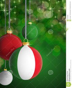 Palle di Natale con la bandiera italiana davanti al fondo delle luci.