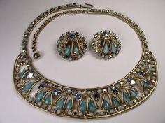 VINTAGE HOBE' NECKLACE AND EARRINGS SET