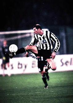 Zidane en la Juventus. Mago Bianconero. 2b2c347f48c3a