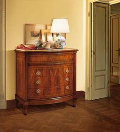 Walnut dresser with four drawers, classic luxury style