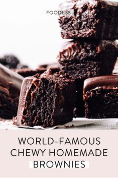 Best Easy Chewy Brownie Recipe Ever (Must-Try) - Foodess - - These from-scratch brownies are chewy, moist and fudgy - truly the best ever. They're made with cocoa powder for that perfect rich chocolate flavour similar to an Oreo. Best Chewy Brownies Recipe, Brownie Recipe Without Chocolate, Brownie Recipe Video, Chocolate Flavors, Easy Brownies, Chocolate Chips, Mint Chocolate, Healthy Brownie Recipes, Cacao Brownie Recipe