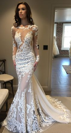 #BERTA beauty from the Los Angeles trunk show at Lovella Bridal ❤