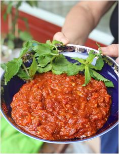 appelsiinejahunajaa: Matbuha: mitä herkullisin keitetty tomaattisalaatti
