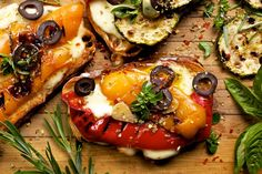 Bruschetta with Greek graviera cheese from Crete and grilled vegetables Vegetarian Grilling, Grilling Recipes, Vegetarian Recipes, Healthy Recipes, Cranberry Salad, Bruschetta, Mozzarella, Marinated Tomatoes, Grilled Vegetables