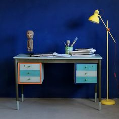 Heart Home magazine shares some fabulous ideas on creating your own mid-century style with Chalk Paint® decorative paint by Annie Sloan! This is Annie Sloan's own 1950s Danish-style desk painted with a vibrant selection of colors from the Chalk Paint® palette!