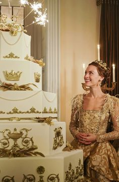 Elizabeth I Is Looking For Love on 'Reign' Tonight: Photo Elizabeth I (Rachel Skarsten) is most likely looking for love in all the right places, but just isn't going to get it. The powerful queen of England is trying… Reign Cast, Reign Tv Show, Reign Fashion, Fashion Tv, Reign Serie, Reign Season, Season 4, Marie Stuart, Reign Dresses