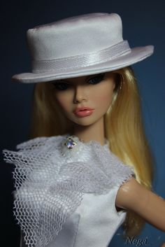 Poppy under the hat