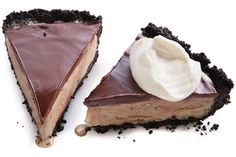 Espresso Mud Pie - Mud pie—not to be confused with Mississippi mud pie, which is a chocolate pie—needs only a chocolate cookie crust, coffee ice cream, and fudge sauce Frozen Desserts, Just Desserts, Delicious Desserts, Yummy Food, Healthy Desserts, Frozen Treats, Eat Healthy, Ice Cream Pies, Ice Cream Treats