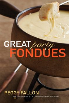 Great Party Fondue by Peggy Fallon.I love fondue! Cheese Fondue Dippers, Cheese Dips, Fondue Raclette, Raclette Recipes, Gourmet Recipes, Cooking Recipes, Aryuvedic Recipes, Party Recipes, Copycat Recipes