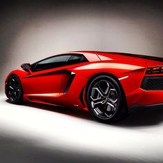 Sizzling side view of a Lambo
