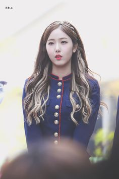 Check out GFriend @ Iomoio Kpop Hair Color, Korean Hair Color, Hair Color Streaks, Hair Highlights, Pretty Hairstyles, Girl Hairstyles, Ulzzang Hair, Girl Hair Colors, Grunge Hair