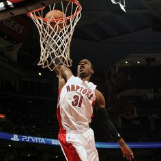 Terrence Ross returns and the Raptors roll to a 99-78 win over the Bobcats on Friday at ACC.