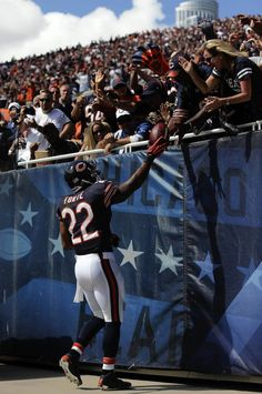 Check out Chicago Bears running back Matt Forte in a live webchat tonight at 5:30 ET at www.facebook.com/FedEx Tweet your questions to #AskNFLRBs before and during the webcast!