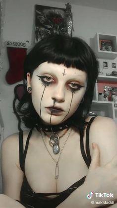 Punk Makeup, Gothic Makeup, Scary Makeup, Makeup Looks, Hair Makeup, Halloween Face Makeup, Makeup Inspo, Makeup Inspiration, Alternative Makeup