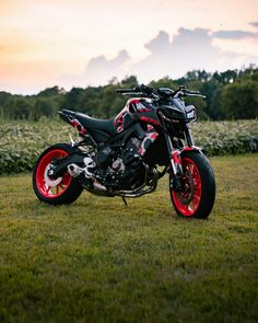Moto Car, Moto Bike, Motorcycle Bike, Mt 09 Yamaha, Yamaha Motorcycles, Velentino Rossi, Custom Street Bikes, Bike Pic, Motorcycle Wallpaper