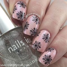nails.quenalbertini: Nail art design by spangleynails