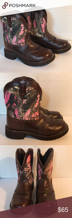 🌲SALE🌲Justin Gypsy Boots In excellent condition no flaws!!!! Soles like new. THIS ITEM CAN NOT BE BUNDLED WITH ANY OTHER ITEM DUE TO WEIGHT. OR YOUR ORDER WILL BE CANCELED. Justin Boots Shoes