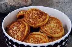 Viljattoman Vallaton: Fluffy banana pancakes Banana Pancakes, Baking, Breakfast, Food, Morning Coffee, Plantain Pancakes, Bakken, Eten, Bread