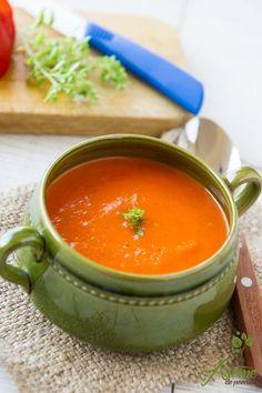 Supa de rosii cu busuioc Soup Recipes, Vegan Recipes, Cooking Recipes, Vegan Food, Cooking App, Good Food, Yummy Food, Romanian Food, Spinach Stuffed Chicken