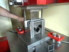Matriz para corte de metalon - Lagemann - YouTube Sheet Metal Tools, Cnc, Shop Press, Aluminium Ladder, Automatic Gate, Mould Design, Metal Working Tools, Industrial, Machine Tools
