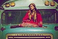 Hippies at Woodstock Hippie Style, Mode Hippie, Hippie Man, Happy Hippie, Hippie Love, Hippie Chick, Hippie Bohemian, Bohemian Gypsy, Hippie Girls