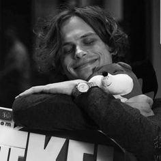 what a cutie 💓 Spencer Criminal Minds, Criminal Minds Cast, Dr Spencer Reid, Spencer Reed, Matthew Gray Gubler, Matthew 3, To My Future Husband, Pretty Boys, Pretty People