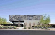Modern Desert House Designed For Enjoyable Desert Living - Architecture Beast Palm Springs, Roof Design, House Design, Courtyard Design, Amazing Architecture, Architecture Design, Dormer House, Casas Containers, Aluminum Patio