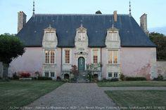 Chateau de la Minauderie - Le Breuil-Mingot,  Poitiers, Vienne, Poitou-Charente - built 1620 - looks fabulous, so French!