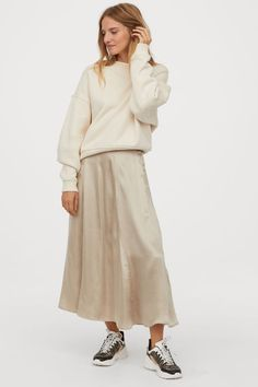 Calf-length skirt in satin with visible seams. High waist with concealed side zip. H&m Recycle, Trending Art, Calf Length Skirts, Ballet Fashion, Monochrome Fashion, H&m Gifts, Satin Skirt, Beige, Fashion Company
