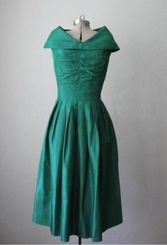 Vintage 1950s Dress Green Taffeta