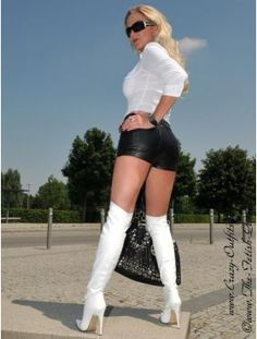 Lederhotpants DS-428 : Crazy-Outfits - Webshop für Lederbekleidung, Schuhe & mehr.