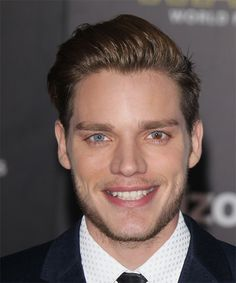 View yourself with Dominic Sherwood hairstyles and hair colors. View styling steps and see which Dominic Sherwood hairstyles suit you best. Formal Hairstyles For Long Hair, Funky Hairstyles, Hairstyles Haircuts, Boy Haircuts, Short Hair, Dominic Sherwood, Clary E Jace, Bionic Woman, Haircut And Color