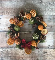 Why You Should Let Your Kids Make Their Own Christmas Decorations – Get Ready for Christmas Christmas Decorations For The Home, Christmas Tablescapes, Christmas Themes, Christmas Crafts, Holiday Decor, Christmas Makes, Christmas Mood, Beautiful Christmas, Bohemian Christmas