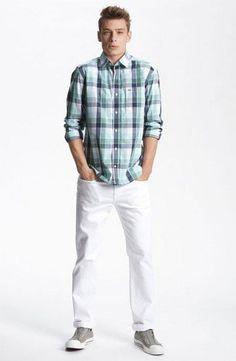 calca branca masculina com camisa xadrez