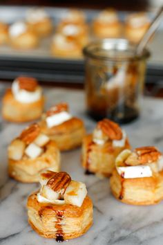 Baked Brie, Pear, and Pecan Bites: these delicious baked brie bites are topped with diced pears, toasted walnuts, and a drizzle of balsamic reduction. Holiday Appetizers, Appetizer Recipes, Gourmet Appetizers, Vegetarian Appetizers, Appetizer Ideas, Burger Recipes, Holiday Treats, Appetizers Kids, Canapes Recipes