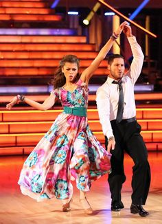 Val Chmerkovskiy & Zendaya Coleman - Dancing With the Stars - Season 16 - Week 8 - placed 2nd for the season