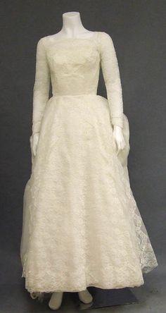 Ivory Lace & Chiffon 1960's Wedding Dress