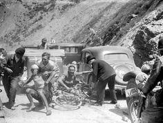 OLDE TOUR de FRANCE BICYCLE RACING PIX - c.1930'S - 6