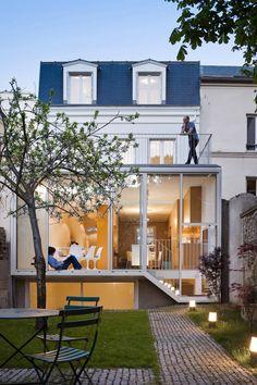Maison parisienne modernisée