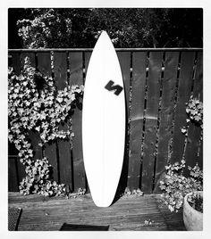 Occasionally we do nice white shortboards but only occasionally! #visionary #custommade #shortboard #surfboards #madetoorder #madeinengland http://ift.tt/19MEsb6
