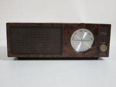 Vintage RCA AM Table Radio Brown RZA203T