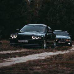 Bmw E36 Drift, Bmw New Cars, Bmw 740, Mercedes Wallpaper, Bmw Wallpapers, Bmw 328i, Bmw Models, Bmw Series, Old Classic Cars
