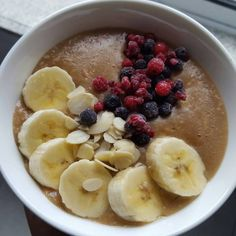 # Receitas de papas de aveia – Conceito FIT Breakfast And Brunch, Sweet And Spicy, Fruit Salad, Healthy Recipes, Healthy Food, Smoothies, Oatmeal, Food And Drink, Health Fitness