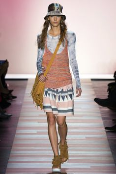 BCBG Max Azria Spring 2016 Ready-to-Wear Fashion Show