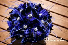 Royal Blue and Black Wedding Bouquet Bridal Bouquet par DecoraMood, $275,00